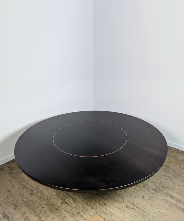 80 D Centered Ring Table